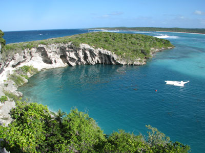 http://www.caribbeanskytours.com/images/RDTB_Bahamas_Blue_Hole.jpg