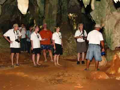 http://www.caribbeanskytours.com/images/RDTB_Bahamas_Caves.jpg